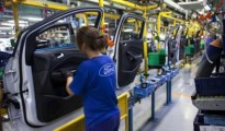 ford-auto-plant-worker-e1460473445783