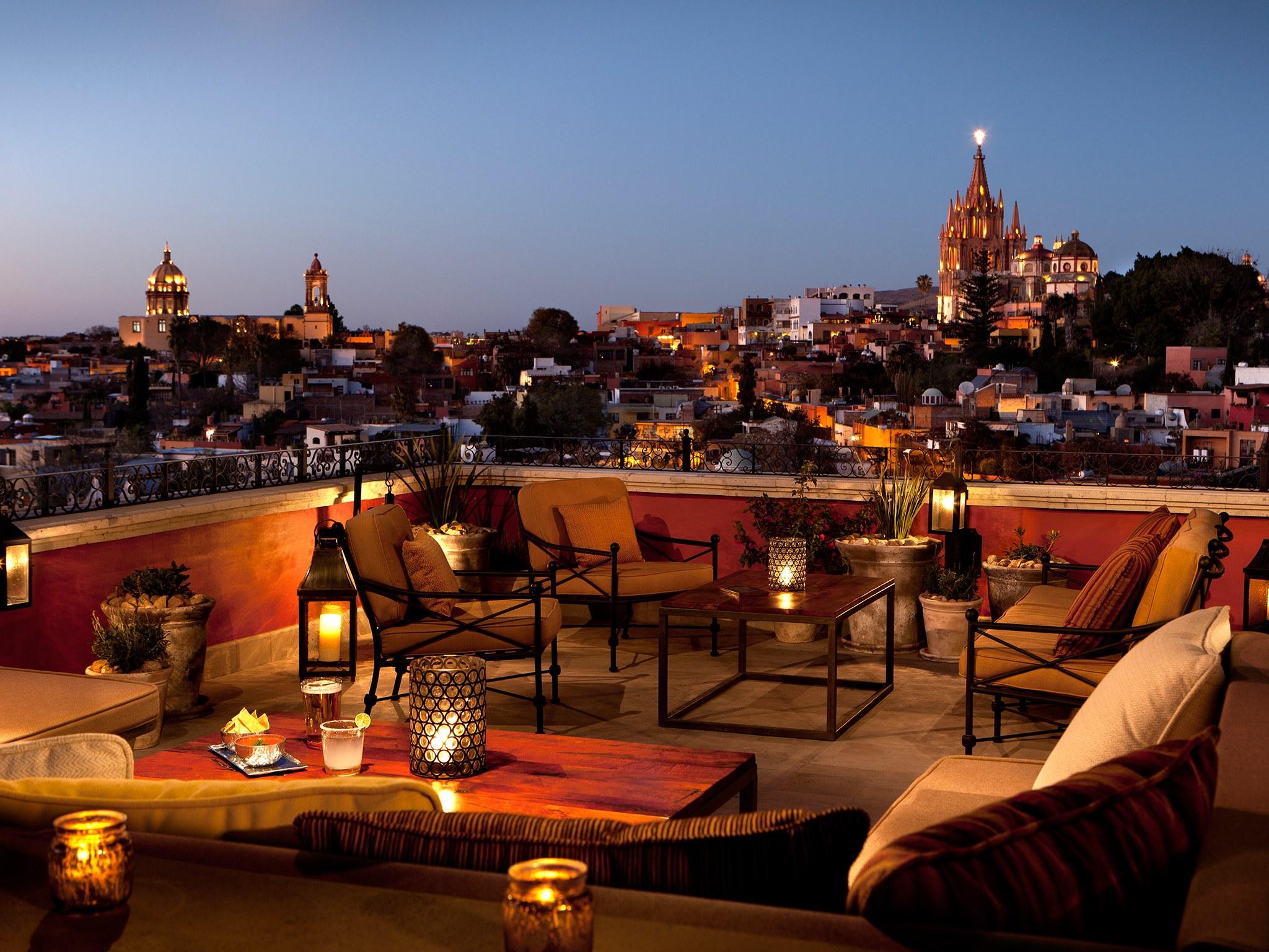 luna-rooftop-tapas-bar-san-miguel-de-allende-mexico