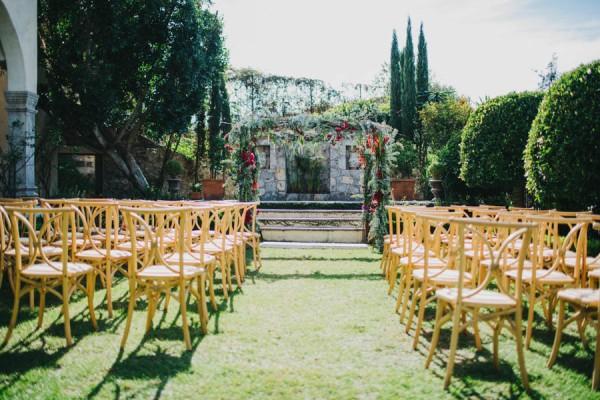Festive-Fabulous-Mexican-Wedding-San-Miguel-de-Allende-Blest-Studios-18-600x400