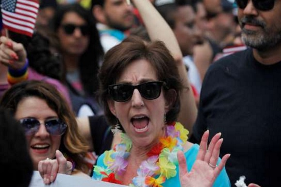jacobson-at-gay-pride-parade-mexico-city