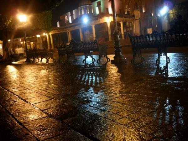 jardin-night-rain-sanmiguelallende
