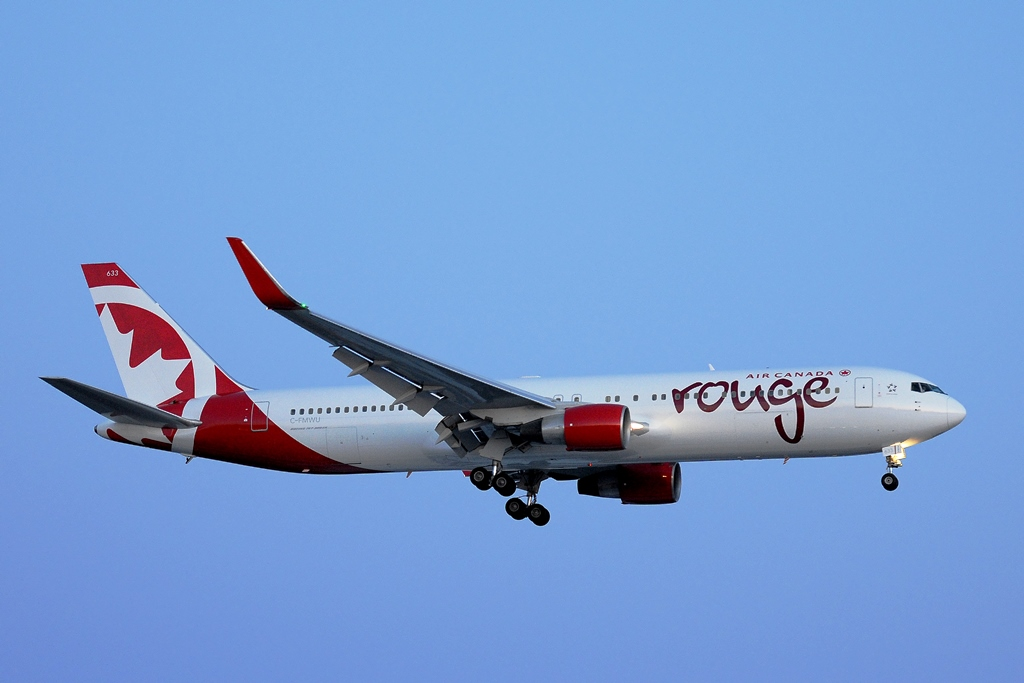 Air Canada rouge Boeing767
