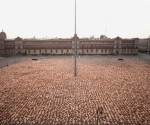 Spencer Tunick's body of work explores and expands the social, political and legal issues surrounding art in the public sphere (photo: google),
