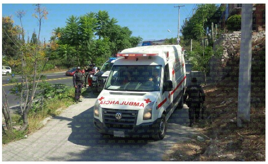 Muncipal Police and an ambulance arrived onsite, minutes after gunshots were reported (Photo: am.com.mx)