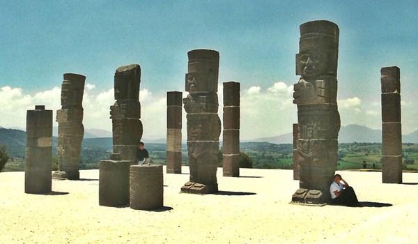 Gigantes de Tula (Photo: insidethetravellab.com)
