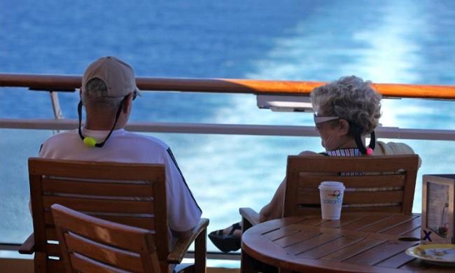 expat couple