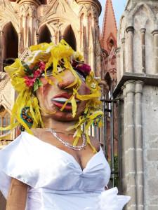 mojiganga-blonde-bride