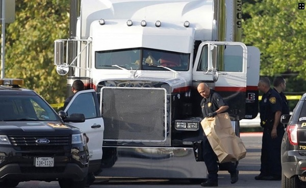 The driver abandoned the unit in a parking lot of a Walmart in San Antonio, Texas. (Photo: newssanmiguel.com)