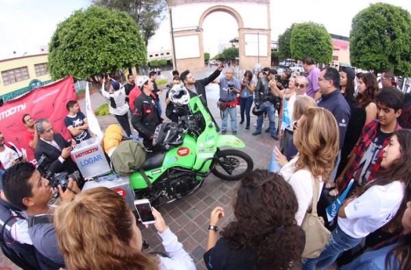 On motorcycle, Bernardo will travel the world to promote Guanajuato - (Photo: News San Miguel)