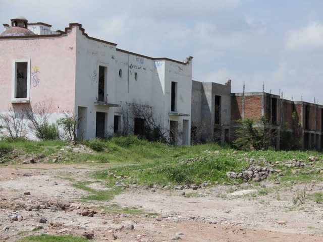 """""""What the Urban Development Secretariatcould do, is try to locate the owner to see if he is interested in selling, but other than that,there is nothing else the government could do"""". Abelardo Quero, Director of Urban Development"""
