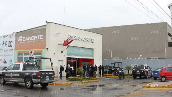 Investigan robo a banco, tienen videos de atraco (Photo: AM)