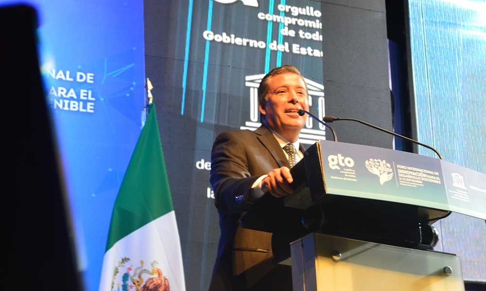 Governor Marquez Marquez at the International forum for innovation and sustainable development (Photo: AM)