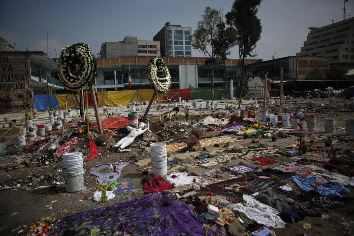 Mexico_Earthquake_Memorials.JPG_t1170