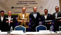 UN NUEVO vuelo diario a la ciudad de Atlanta en Estados Unidos, desde el Aeropuerto intercontinental de Querétaro, anunciaron directivos de Aeroméxico-Delta, acompañados de los titulares de Sedesu y Turismo. Foto. Miriam Martínez