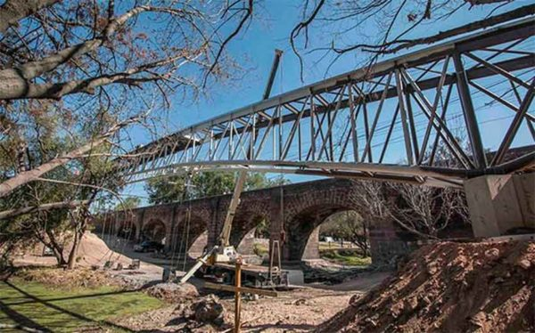 Historic bridge center of Querétaro dispute (Photo: Mexico News Daily)
