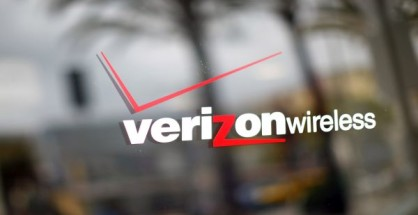 LOS ANGELES, CA - APRIL 21:  A Verizon store is seen April 21, 2011 in the Westwood neighborhood of Los Angeles, California. Verizon announced today that it activated 2.2 million iPhones during the first quarter, helping the company more than triple its profit from a year ago. The company reported earnings of $1.4 billion on revenue of $27 billion for the quarter. Profit grew more than three-fold from the $443 million the telecom company earned during the same period last year. (Photo by Eric Thayer/Getty Images)