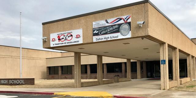 Dalton High School Georgia USA (Photo: From Cosmopolitan)