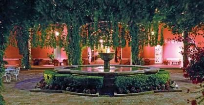 Patio, Hacienda Jurica. (Photo: travelweekly.com)