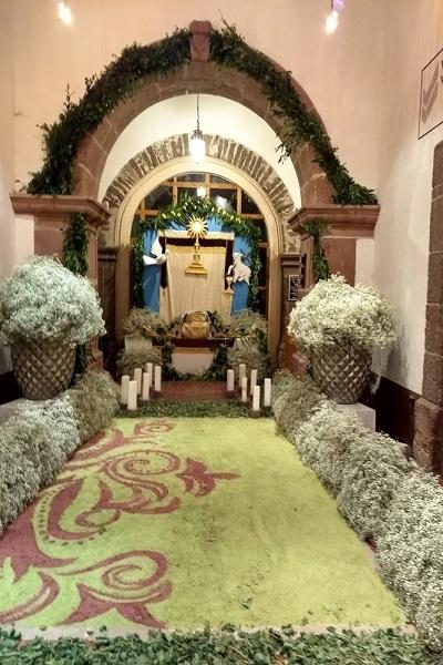 altar white