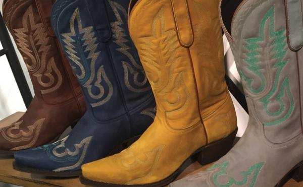 Cowboy boots (Photo: cowboysandindinas.com)